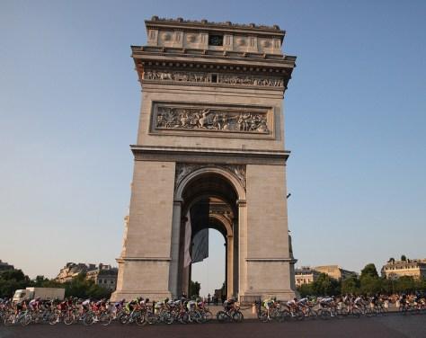 Riders circle the Arch De Triumph at the 100th Tour de France - CC
