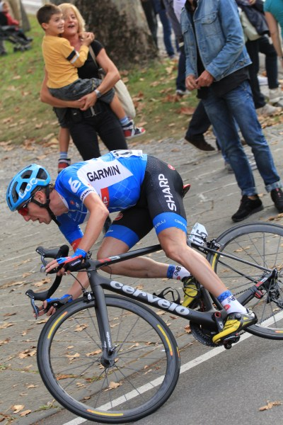 Dan Martin gets back onto the leading group on final descent (image: Flaviano Ossola)