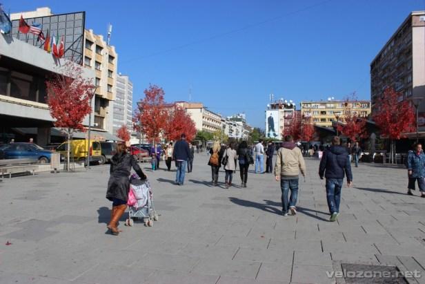 Reprezentacyjny plac stolicy Kosowa