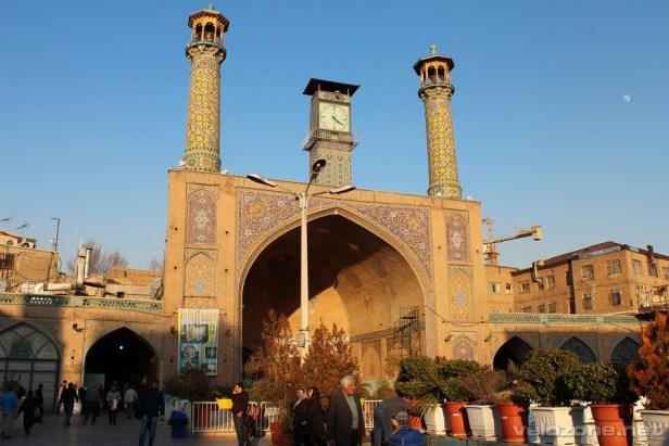 Pierwszy meczet Chomeiniego na trasie ;)