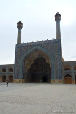 Jeden z ejwanów meczetu Piątkowego