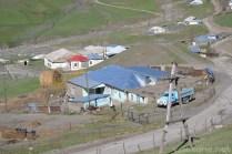 Nasze gospodarstwo widziane z góry. W wiosce jest nawet poczta (z czerwonym dachem).