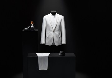 Boss Pays Homage to Michael Jackson's 'Thriller' Suit