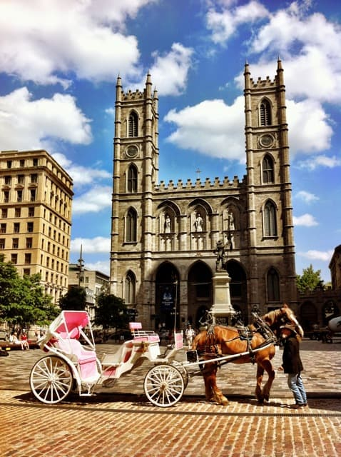 notre-dame-basilica-montreal-photo