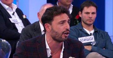 """Uomini e Donne, Armando Incarnato umiliato da una dama: """"Mi aveva detto…"""""""