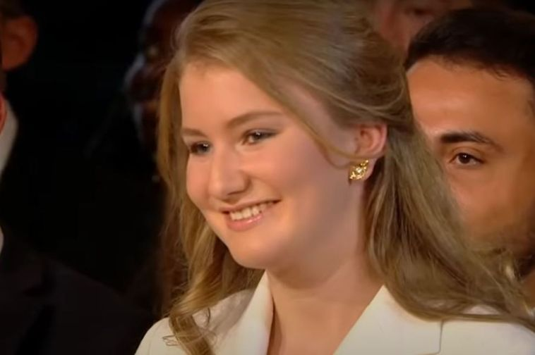 La principessa Elisabetta del Belgio si mostra in tutto il suo splendore alle celebrazioni ufficiali