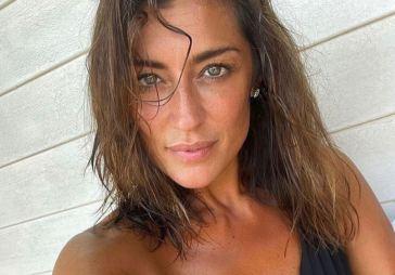 Elisa Isoardi avvistata a Mykonos con l'ex genero di Mara Venier: un cicaleccio che incuriosisce