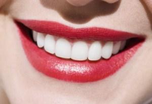 womans-beautiful-teeth