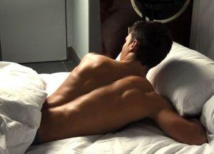 shoulder-in-bed