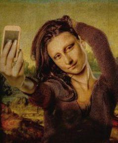 sexy-this-week-art-in-the-eye-of-the-beholder-mona-lisa-selfie