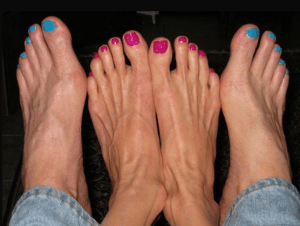 sexy-this-week-63-his-and-her-pedicures-1