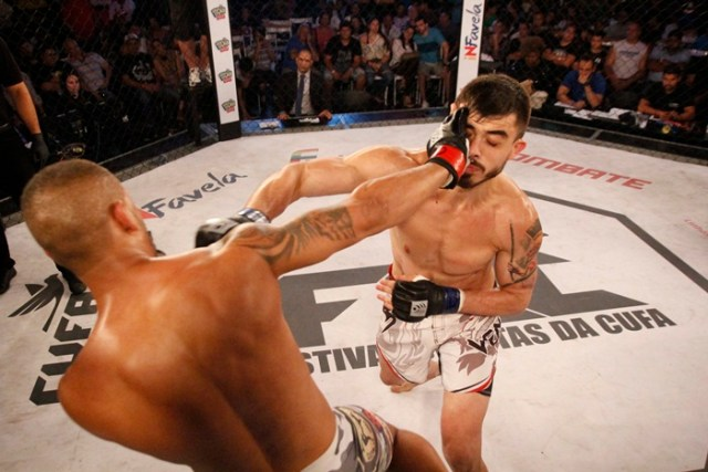 Brunno Pedra e Micael Villagra (dir) fizeram o duelo mais equilibrado