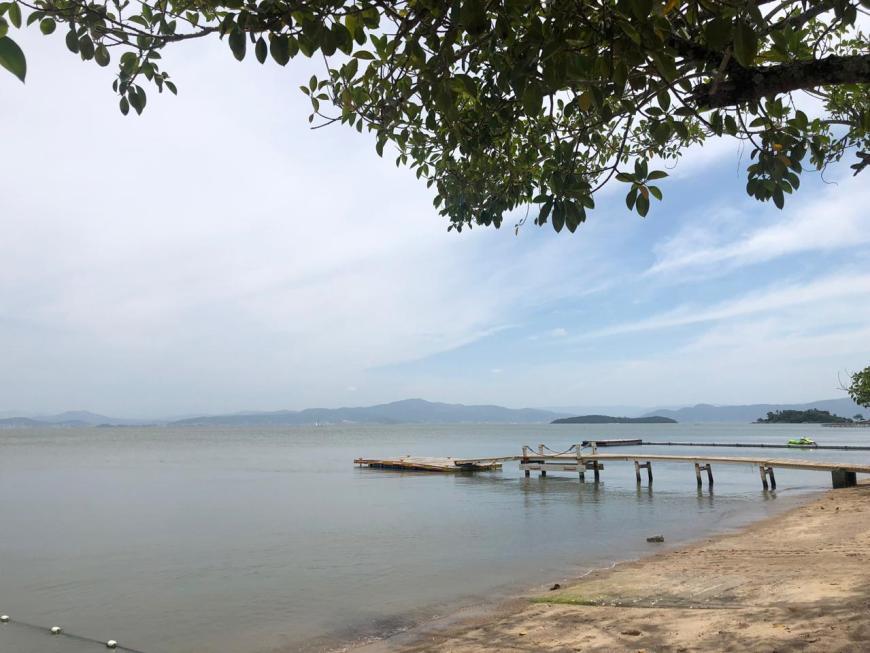 Praia de Sambaqui Florianópolis