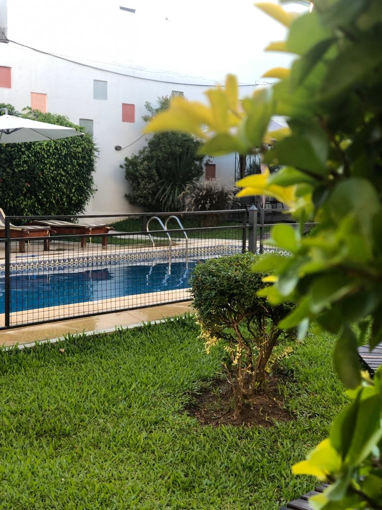 piscina-hotel-mediterraneo-argentina
