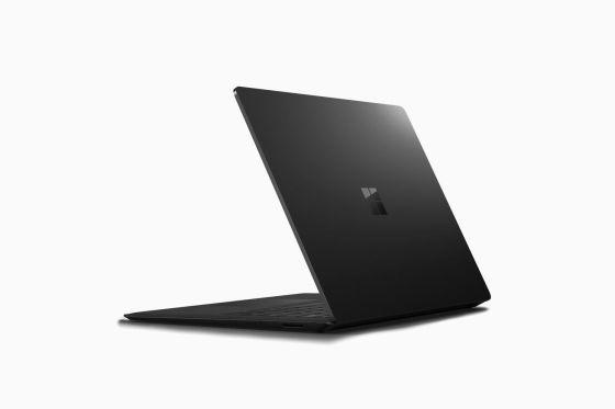 Laptop Surface 2 en maqueta negra