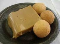 Comidas típicas colombianas - Buñuelos y natilla