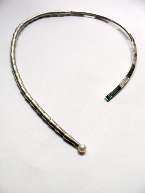 Collar de plata esmeralda y perla