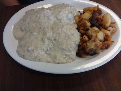 biscuits and gravy at flapjacks in venice