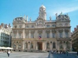 Ho-tel_de_Ville_de_Lyon_medium