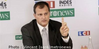 louis-aliot-fn-interviews-metronews