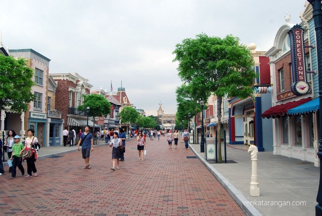 Mainstreet in the morning