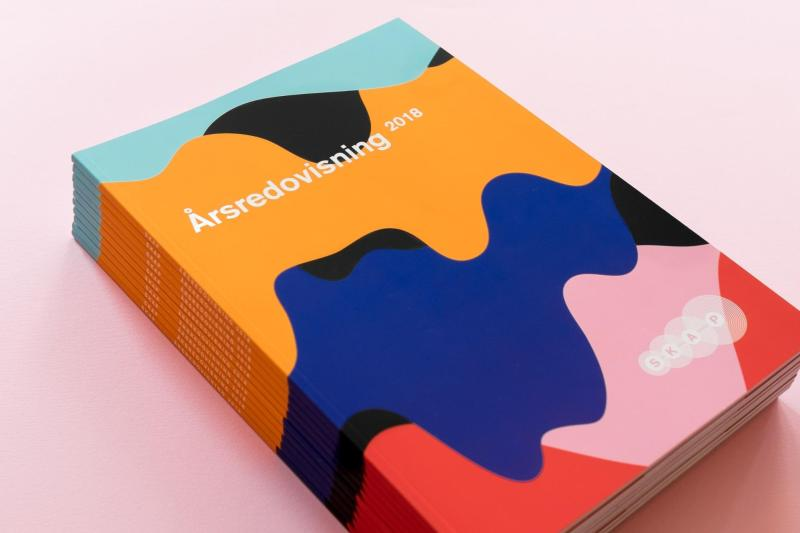 Graphic Design Trends- Flowing Shapes 1