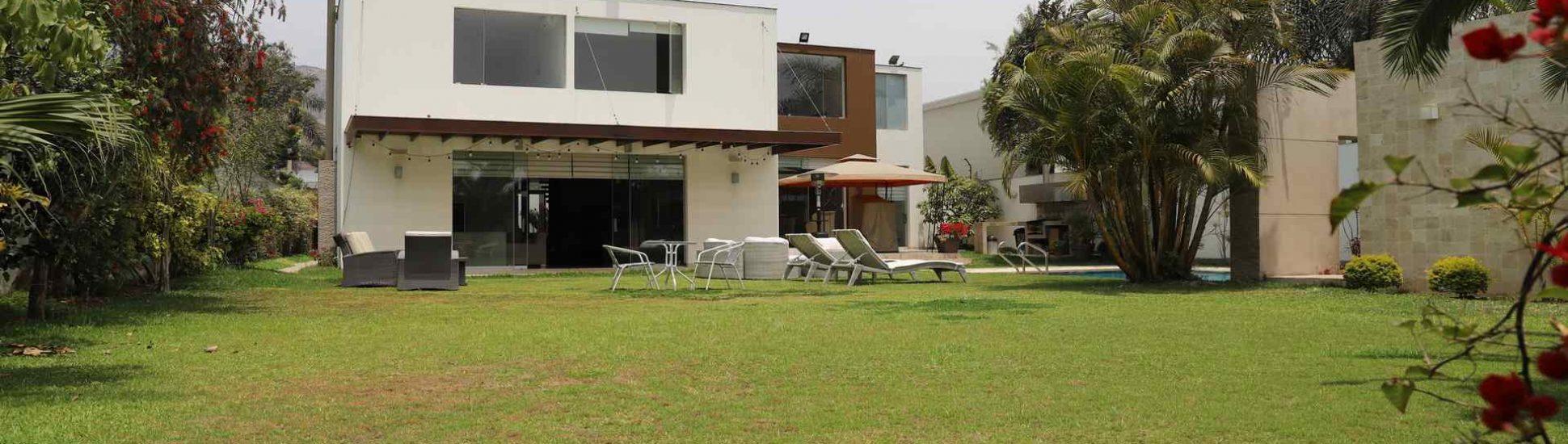 Casa moderna cerca de la Municipalidad de La Molina