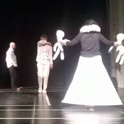 teatro-delle-bambole-medea-sintesi-per-quattro-respiri-1