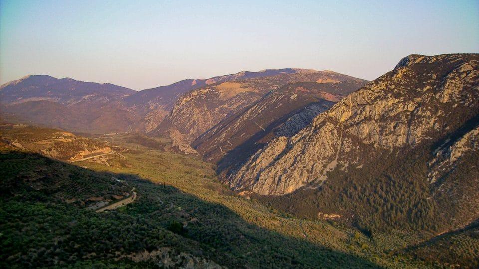 Grece-montagne-soleil