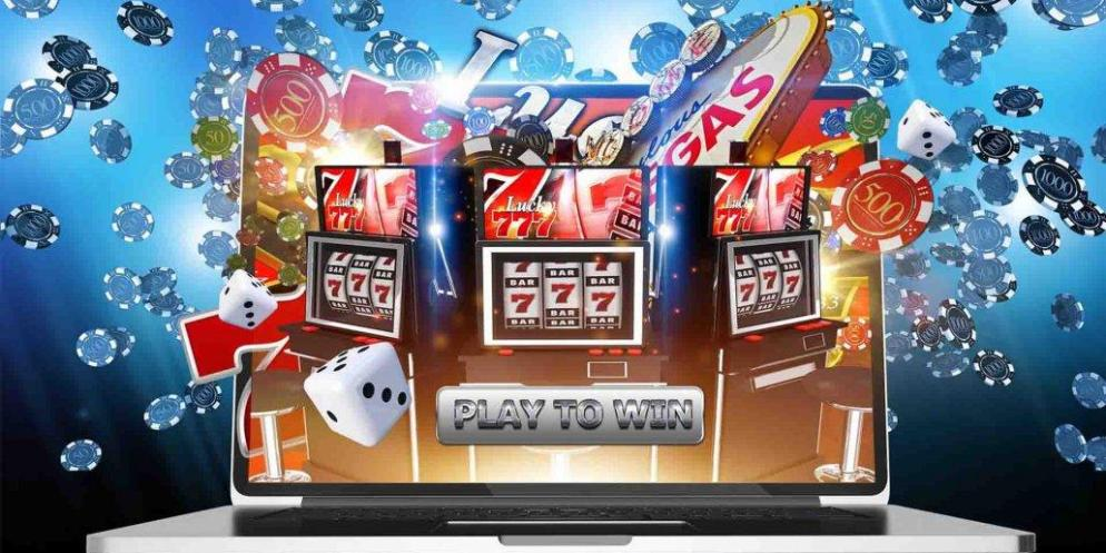 Are there any online slots that pay real money lucky day