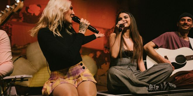 """JULIA MICHAELS & SELENA GOMEZ SURPRISE FANS WITH A SPECIAL PERFORMANCE OF """"ANXIETY"""""""