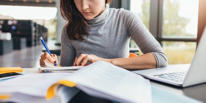 What to Bring to College: A Simple College Packing List