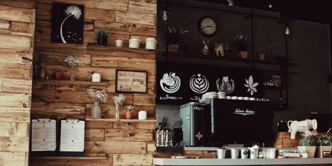 Five factors that help to choose the best café furniture
