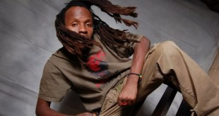 SINGLE REVIEW: Smiling Face of Australia by RAS BANAMUNGU & The Det-n-ators International