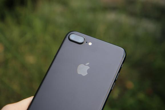 Apple apologizes for slowing down iPhones, affords $29 battery replacements till December 2018