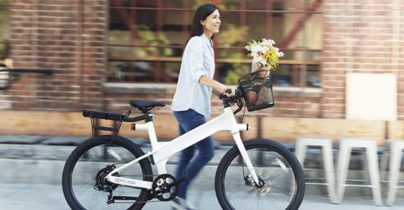 Flash ebike saves power and makes biking smarter than driving