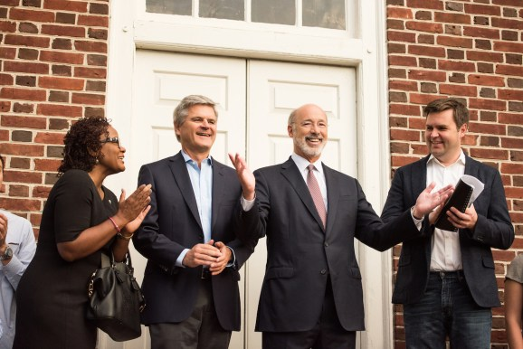 Steve Case's Rise of the Rest fund makes first investments, provides traders Reid Hoffman, Megan Smith