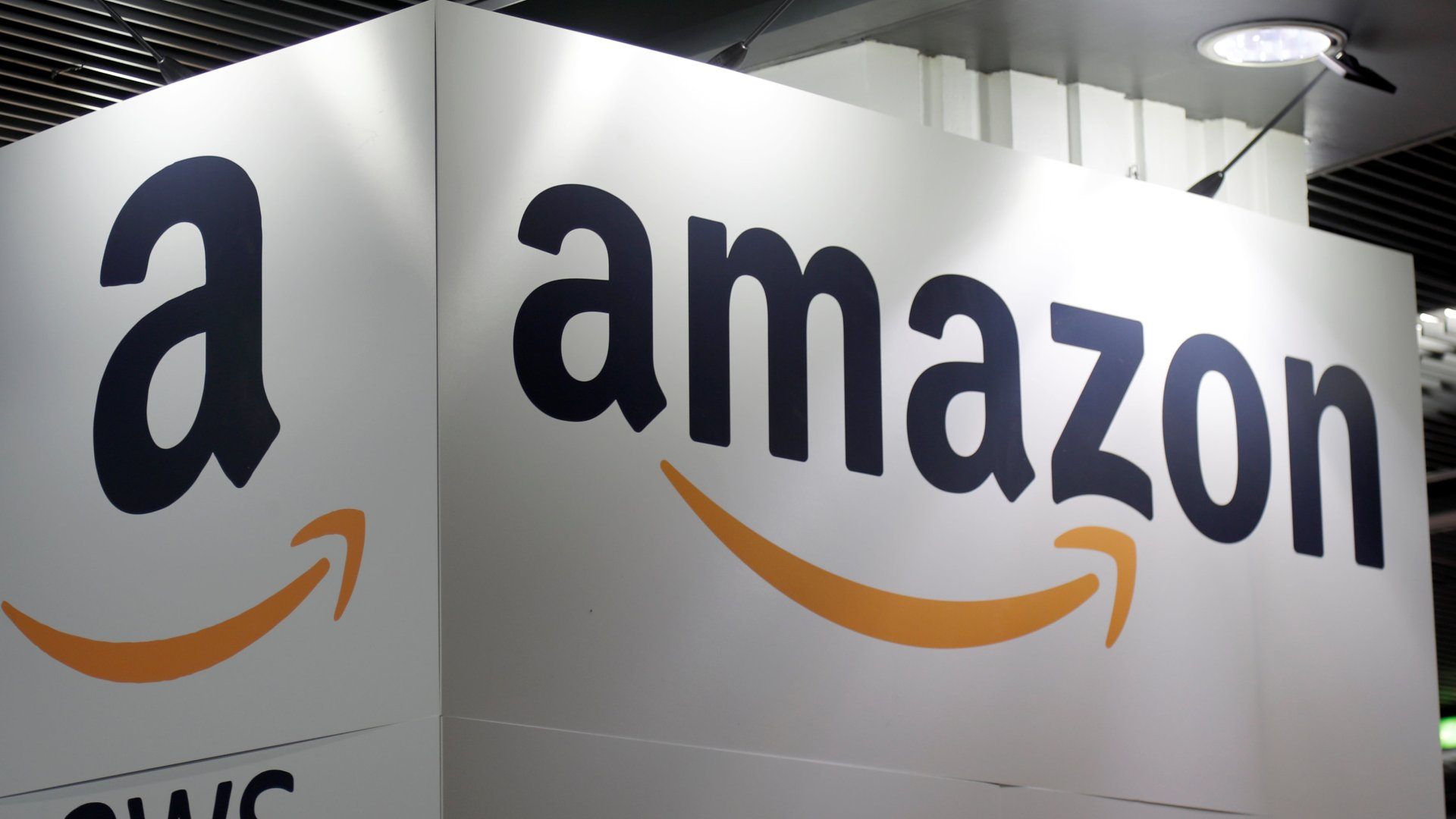 Amazon plans network of satellites for high-speed broadband