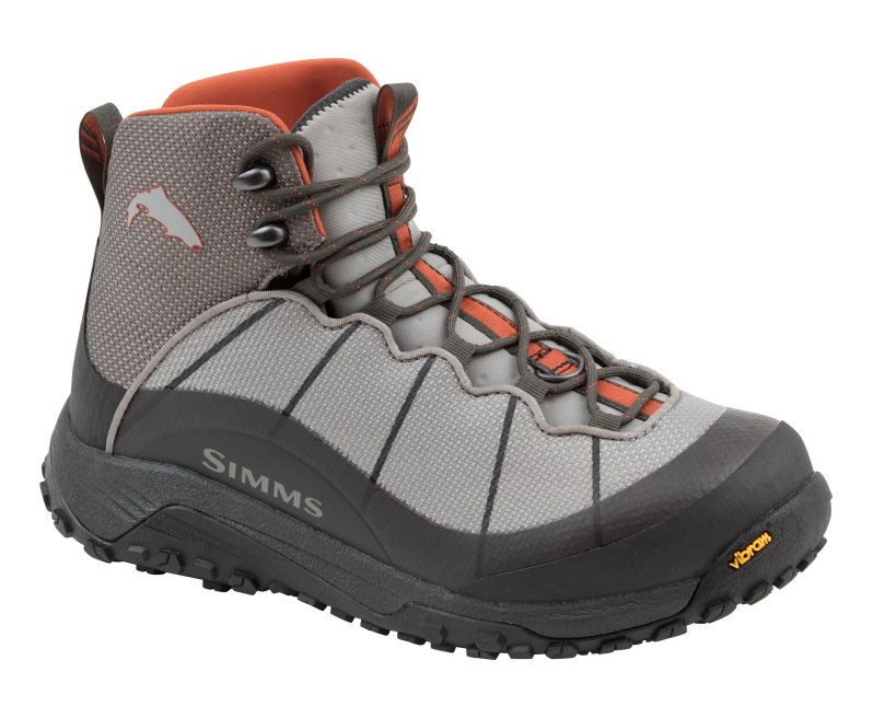 Simms women flyweight boot.jpg