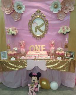 Royal Minnie Mouse Theme Birthday Party Decoration 9