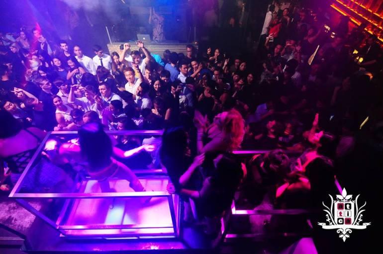 Popular-club-in-Clarke-quay-Attica-nightclub-party