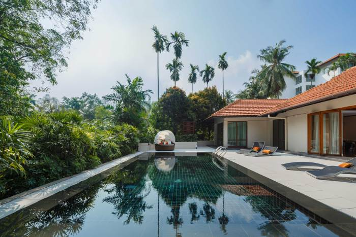 9 gorgeous locations for private pool parties in singapore for Villa du jardin sentosa