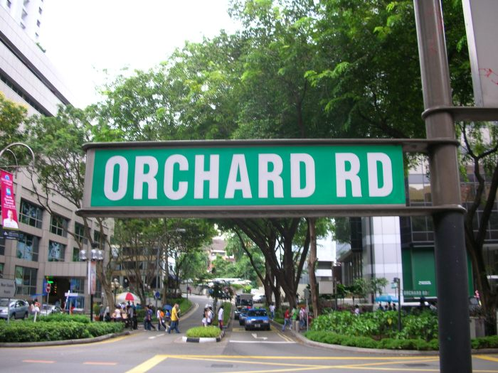 Orchard_Road_street_sign_-_Singapore_(gabbe).jpg