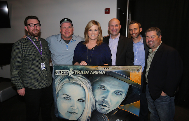 Garth Brooks' World Tour Hits California