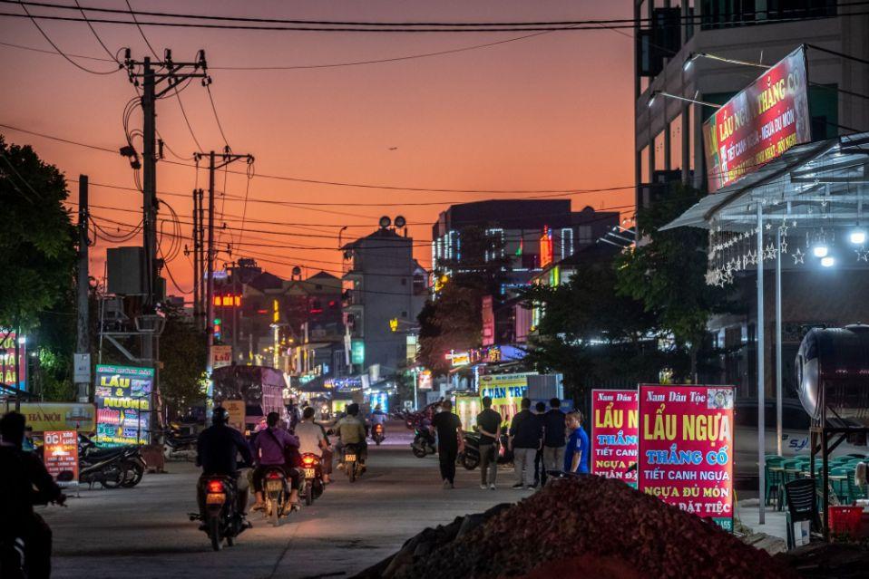 Apple Chuyển Giao Chuỗi Cung Ứng Sang Vùng Nông Thôn Việt Nam