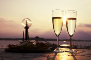 romantic-sun-drink-date
