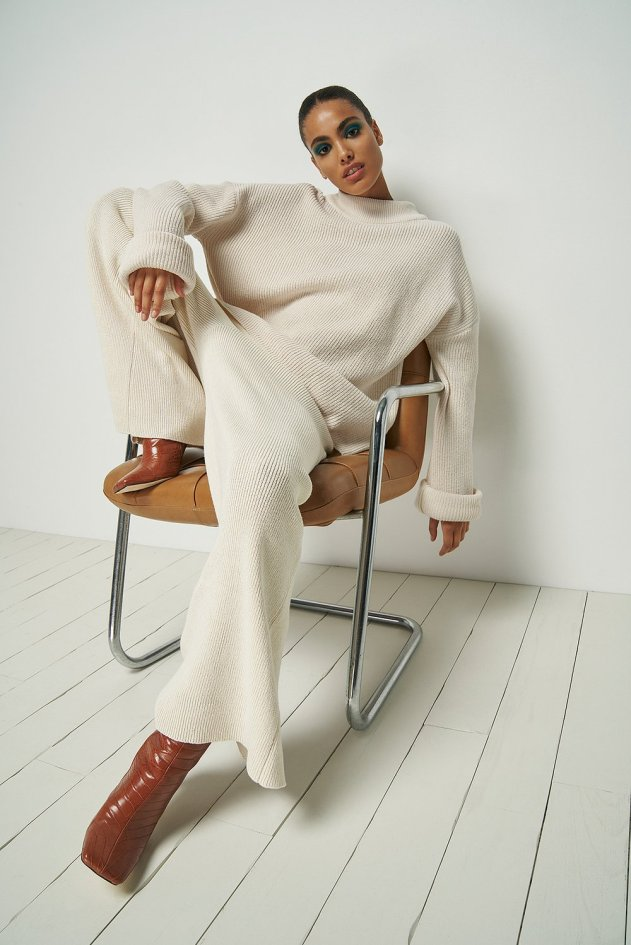 nu-in wide leg ribbed pants in a all white fit