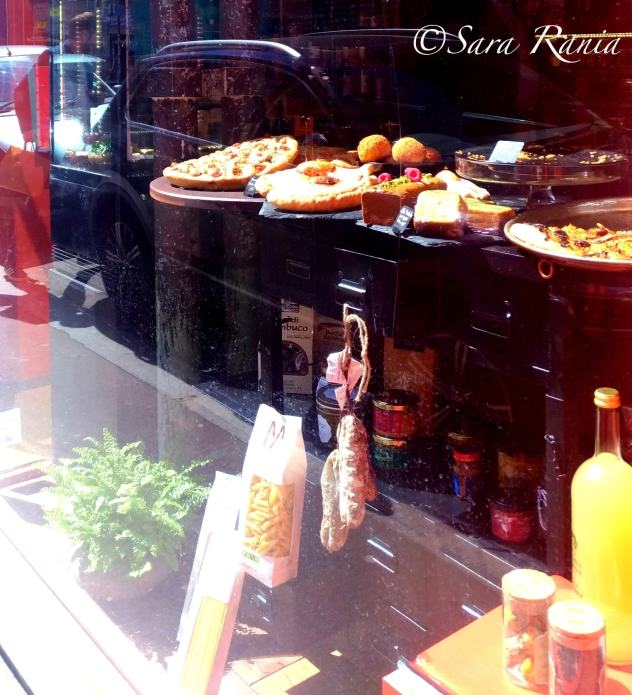 la vitrine de l'épicerie Fine, ph Sara Rania