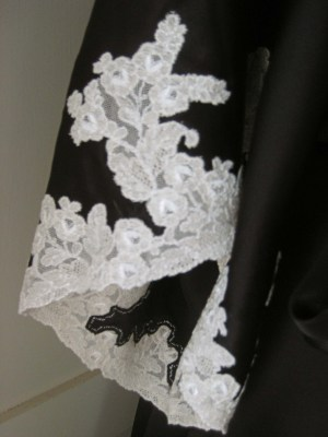 hand-whipped lace on sleeve