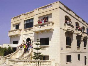 Škola GV Malta smeštena je u prestižnoj vili